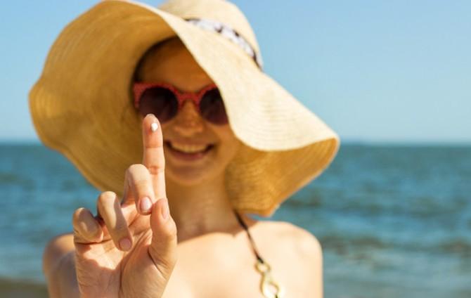 Cómo cuidar la piel para evitar manchas solares 1