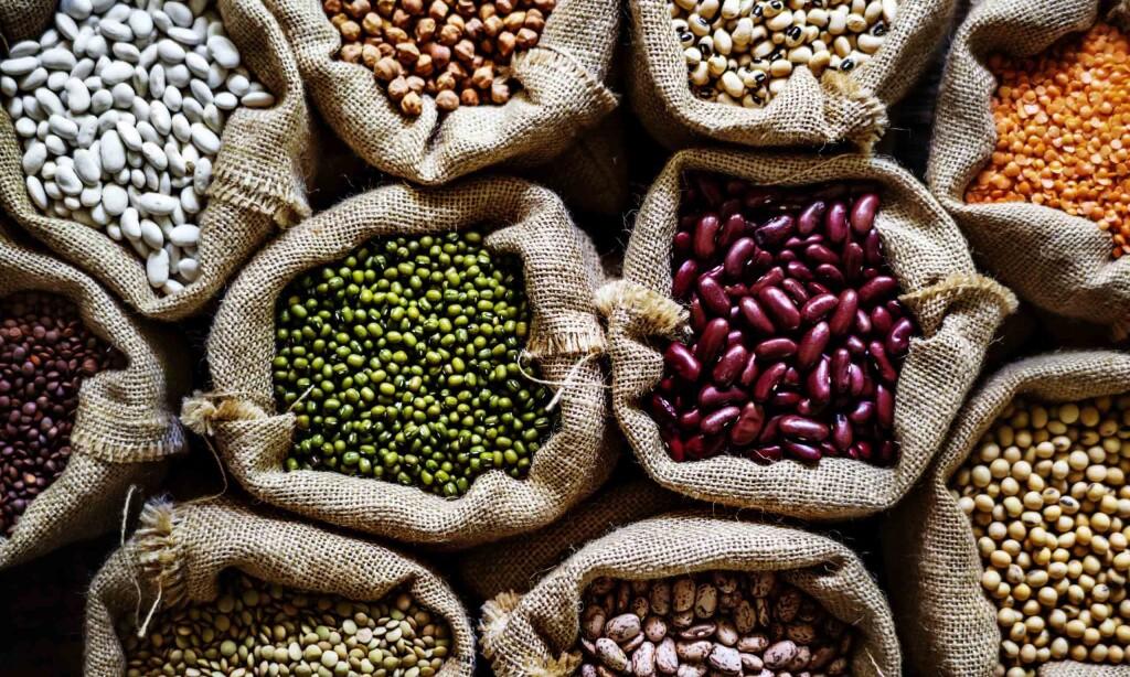 Tendencias en alimentación, las legumbres son para el verano-varias legumbres-españa